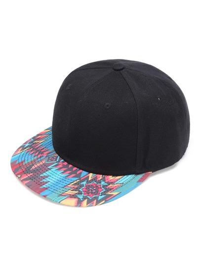 Cappellino con stampa geometrica