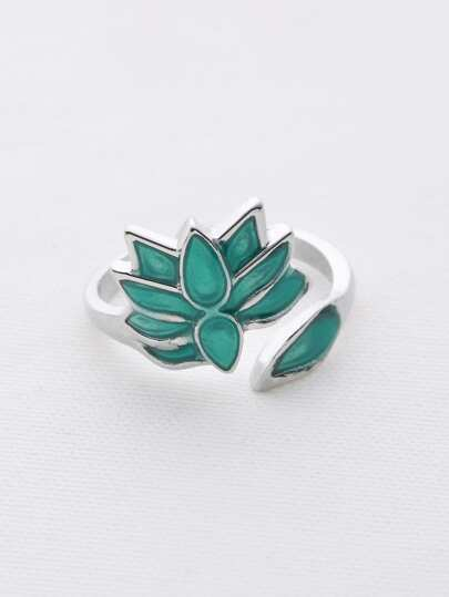 Flower Carves Wrap Ring