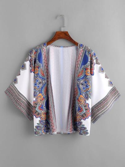 Kimono de plage avec des dessins tribals