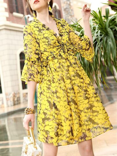 V Neck Bell Sleeve Bowknot Flowers Print Dress