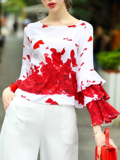 Blusa de manga a capas con estampado de pétalo