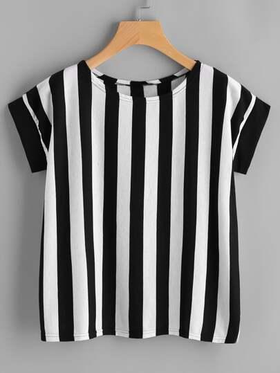 T-shirt a strisce verticale