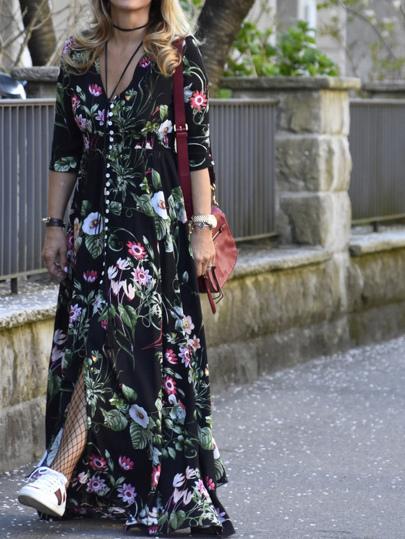 Vestido escote V profundo con estampado floral