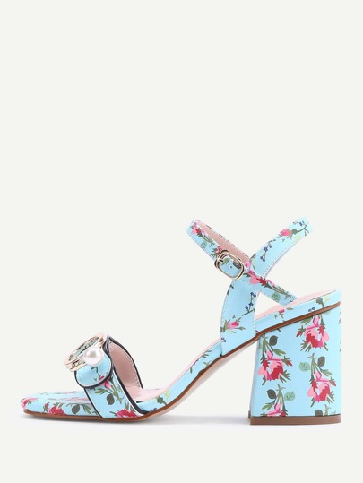 Sandales à talons hauts imprimé avec boucles