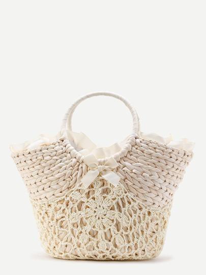 Bolso de paja estilo playero con detalle de croché