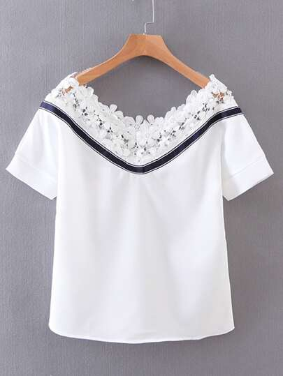 Camiseta contraste de encaje de cuello barco