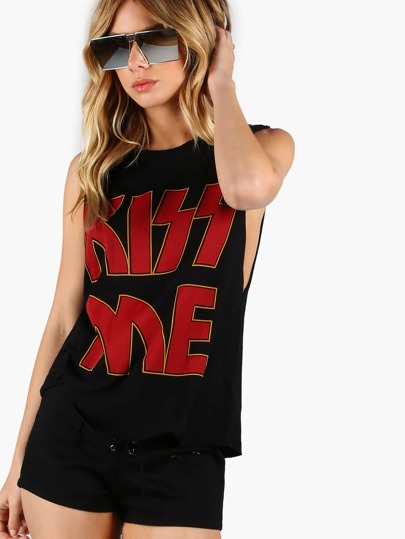 Low Side Kiss Me Graphic Muscle Tee