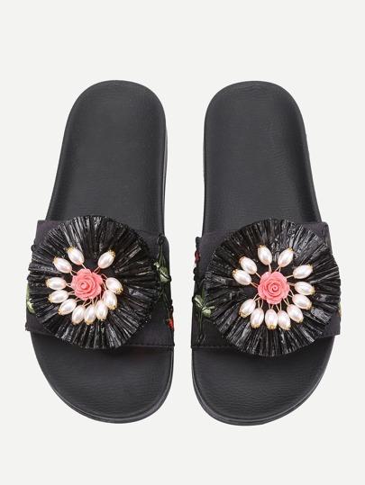 Sandales satiné brodé