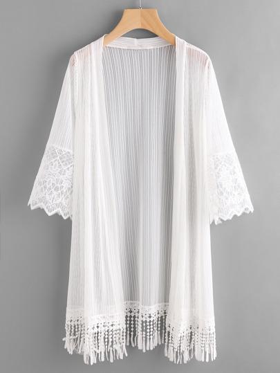 Kimono brodé à maille avec des franges
