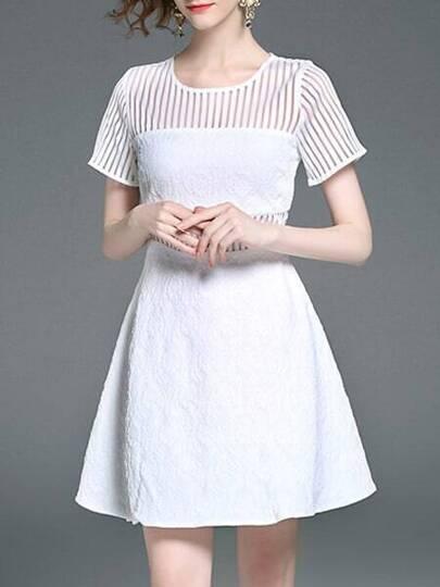 Kleid mit Streifen und Jacquard