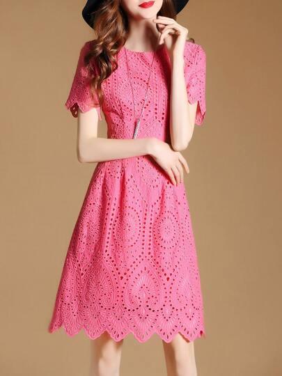 Kleid mit Stickereien Netz und geschupptem Saum