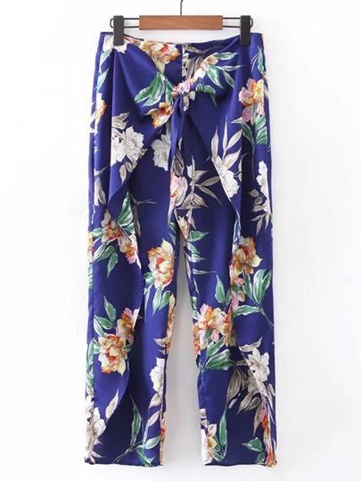 Pantalones con estampado floral y nudo en la parte delantera