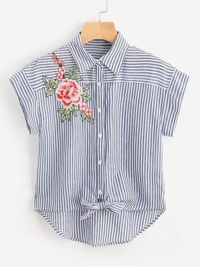 Bluse mit Stickereien, Blumen Applikation, Knoten vorn und Streifen