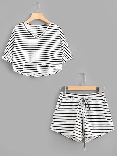 Tee-shirt trapèze à rayures &Shorts avec un lacet