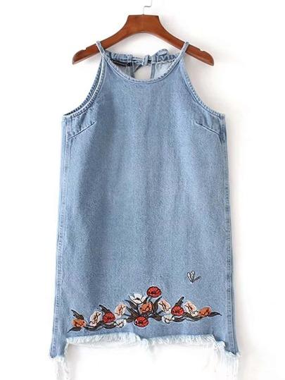 Indossare il vestito in denim ricamato ricamato