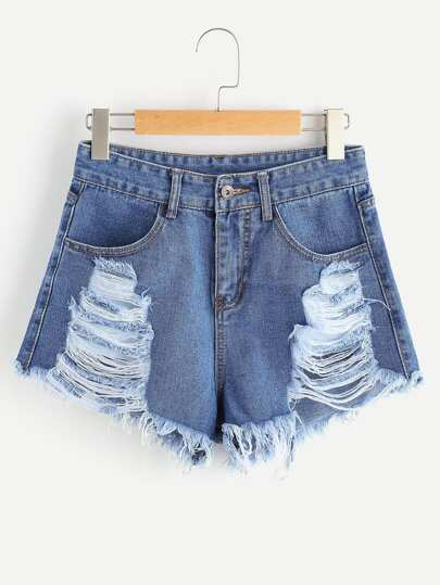 Shorts con rotura en denim