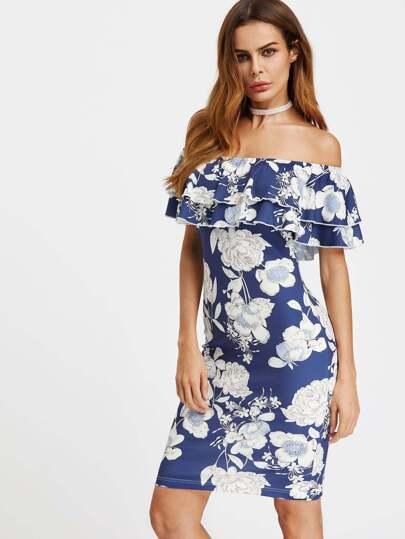 Vestido con estampado de flor de hombros al aire con volantes - azul