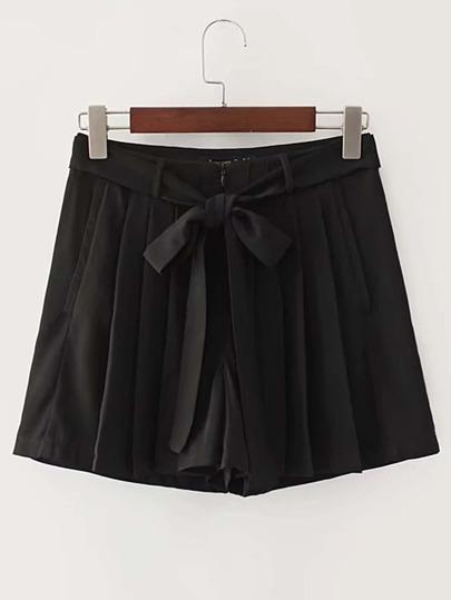 Pantaloncini pieghettati allentati con fascia legata