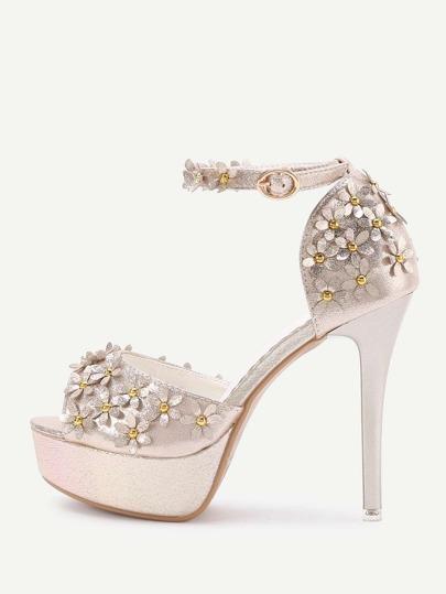 Sandalias de tacón alto con plataforma y adornos de flor
