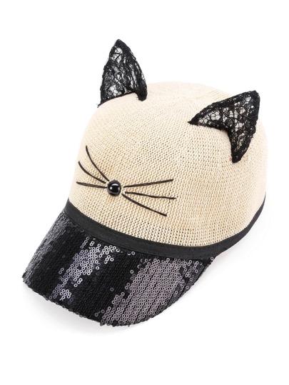 Cappellino con orecchio di gatto in pizzo