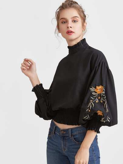 Чёрная модная блуза с цветочной вышивкой, рукав-фонарик