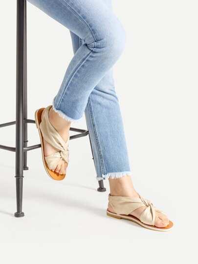 Sandalias planas de terciopelo