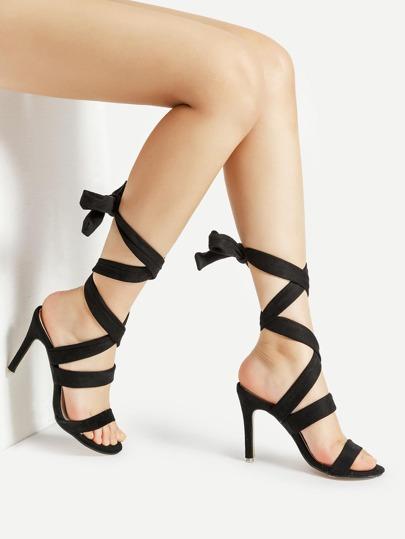 Sandalias de tacón de aguja con cordones