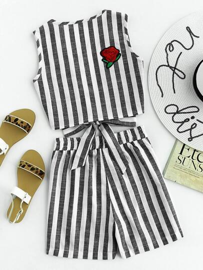 Top contrasté brodé à rayures avec des pièces et un lacet & Shorts
