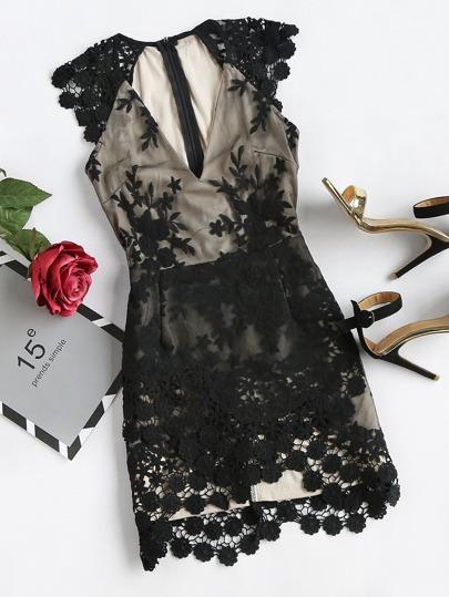 Bodycon Kleid mit V-Ausschnitt und Spitzen
