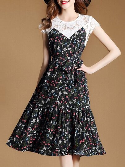 Floral Contrast Lace Pleated Dress