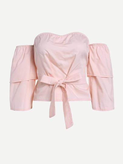 Bluse mit Streifen und Band um die Taille