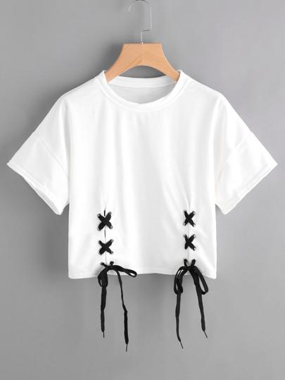 T-Shirt mit Tülle und Band