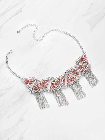 Collana decorata con triangolo in triangoli con frange