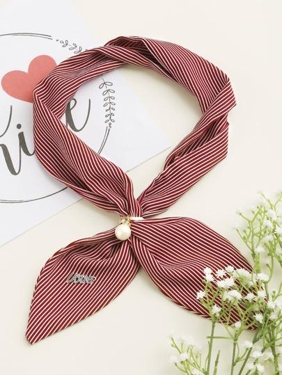 Foulard à rayures perles fausses embellies