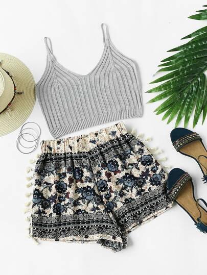 Shorts mit Blumemuster und Quaste