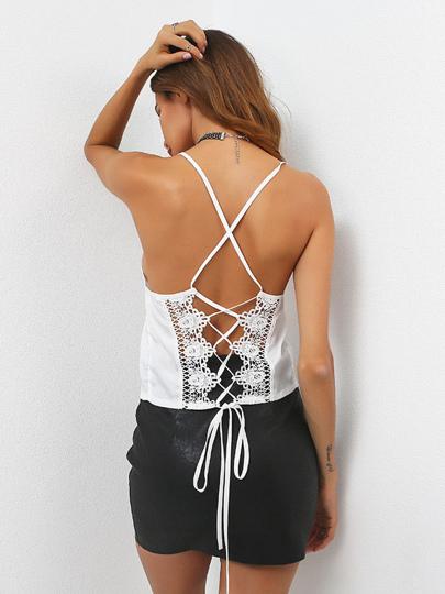 Camisole à lacets en crochet