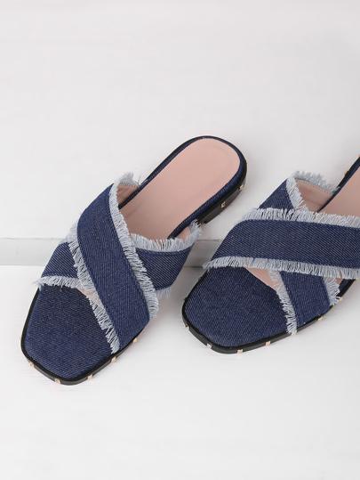 Sandales en jeans avec lacet croisé déchiré