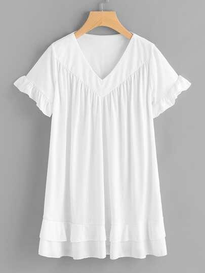 Vestido estilo camiseta fruncido escote V