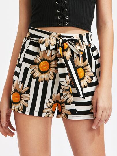 Shorts mit Selbstbindung, Streifen und Blumen