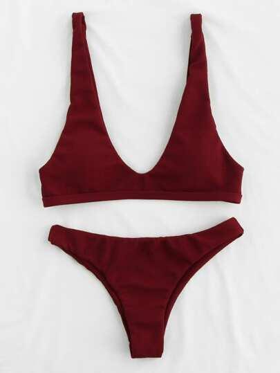 Set di bikini aperto sulla schiena con scollo profondo