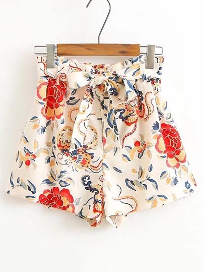 Shorts suelto con cordón