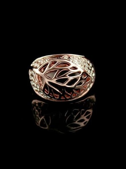 Gold Hollow Leaf Ring