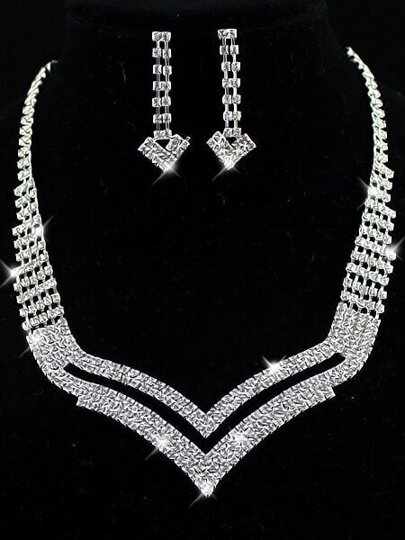 Silver Diamond Hollow Necklace With Earrings