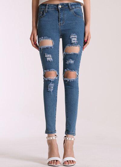 Pantalones vaqueros con roto-azul