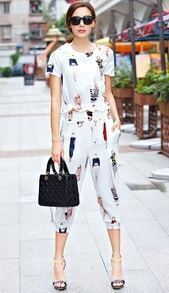 White Short Sleeve Figure Print Top With Crop Pant