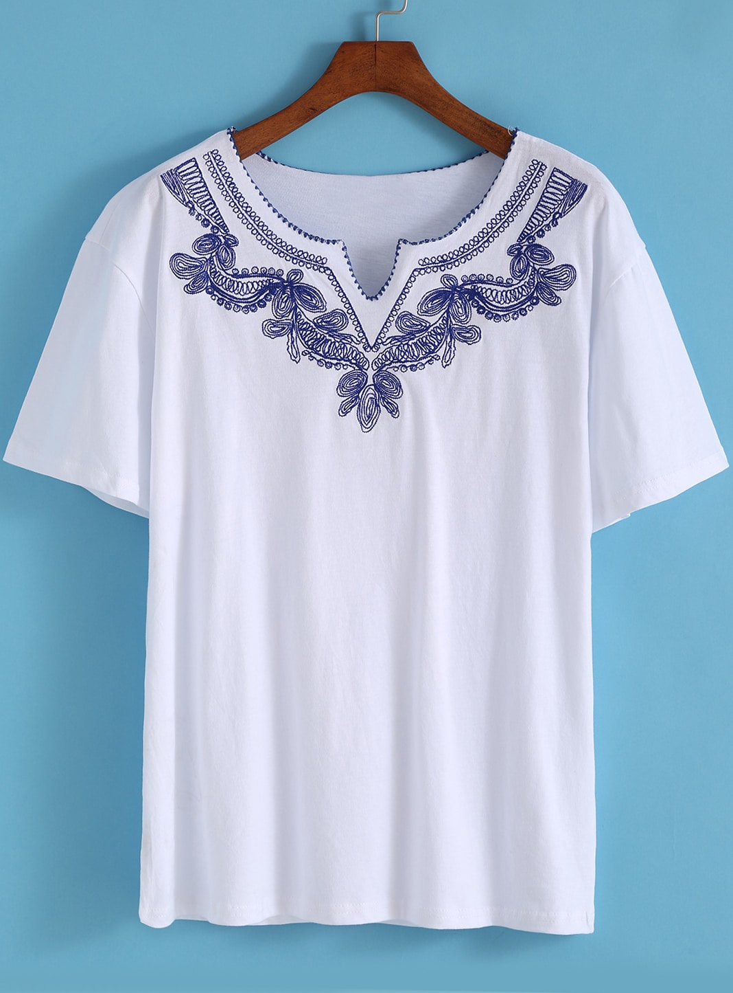 White v neck short sleeve embroidered t shirt shein