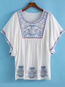 White Batwing Sleeve Embroidered Loose Dress