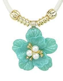 Simple Plastic Flower Blue Pendant Necklace