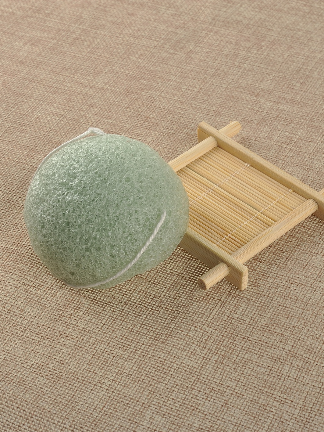 Green Natural Konjac Konnyaku Jelly Fiber Face Wash Cleansing Sponge Puff