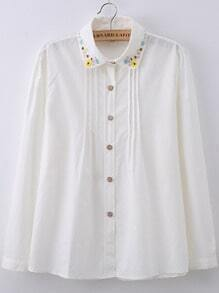 White Lapel Flower Embroidered Blouse